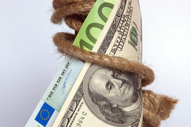 お金がない状態で誰からも借りられない時の対処法
