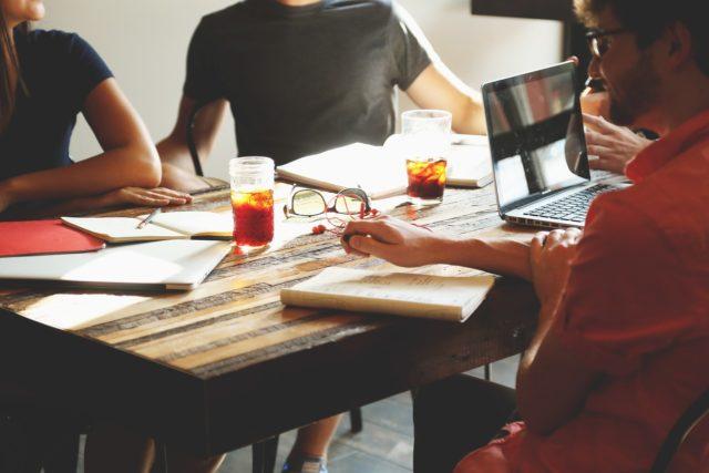 ビジネスは誰と組むかが一番重要・表面的なテクニックではなく、その人の心構えを見なさい