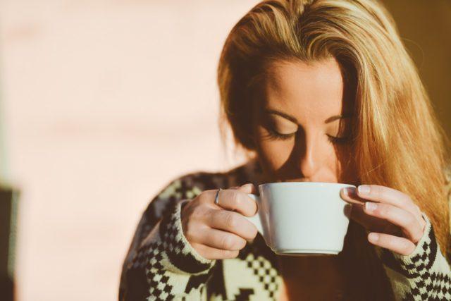 「早起きは三文の得」は、大きな嘘だった!早起きと夜更かしと稼ぎの関係
