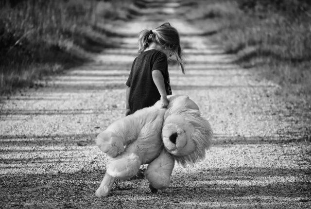 トラブルを起こす問題行動の裏にあるのは、満たされない欲求であり、不幸感にある