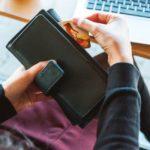 リボ払いで支払うのとカードローンでお金借りるのはどっちが得?