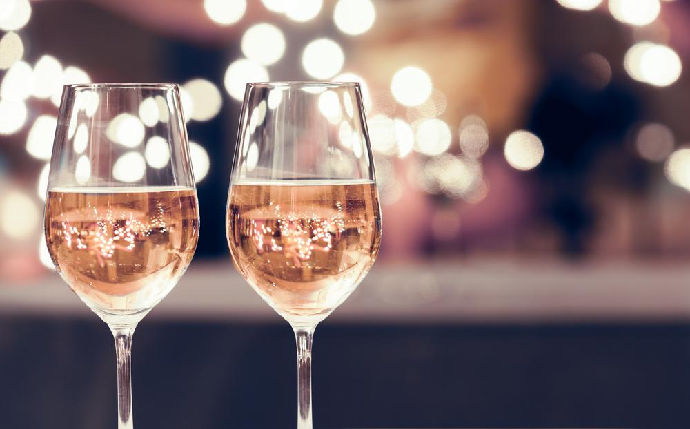 飲み代に高額な交際費を支出するのは良いことか悪いことか